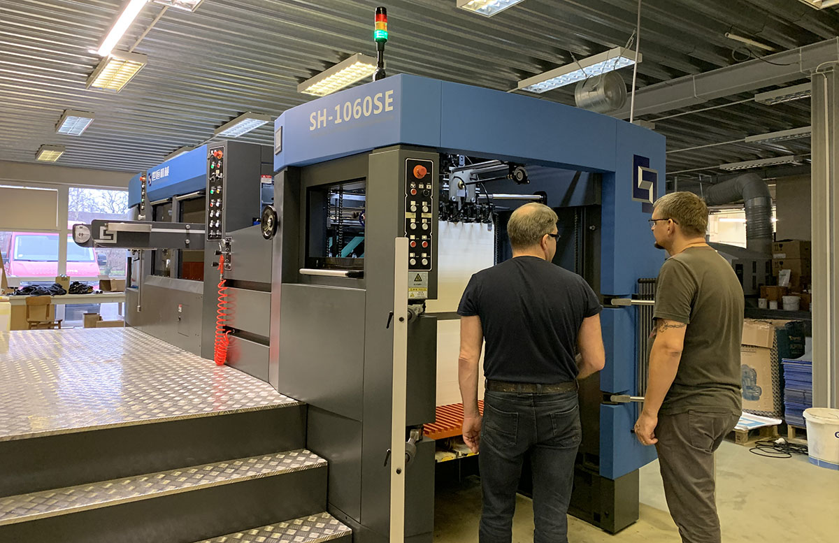 TALSI PRINTING HOUSE INVESTS NEW DIE CUTTING MACHINE